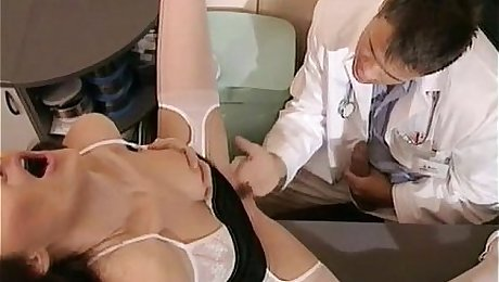 Doctor fucks Receptionist